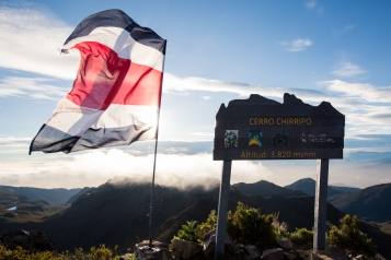 10. Cerro chirripo mountain peak sign